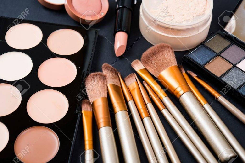 trucos-para-aplicarse-el-maquillaje-correctamente