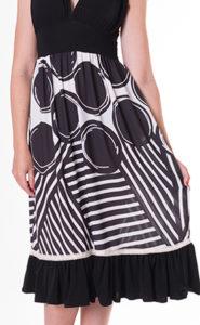 vestido-de-topos-blanco-y-negro