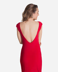 vestido-rojo-con-escote-espalda