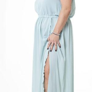 vestido-aguamarina-curvy