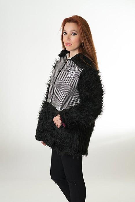 chaqueta-gales-de-mujer-pelo-negro-borrego